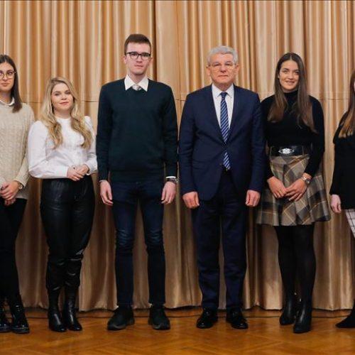 Prijem u Predsjedništvu za sedam najboljih bosanskih studenata