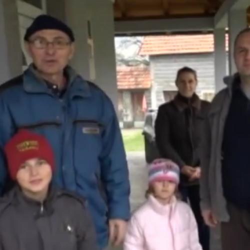 Zaradio van zemlje pa uložio u voćarstvo i zaposlio porodicu (Video)