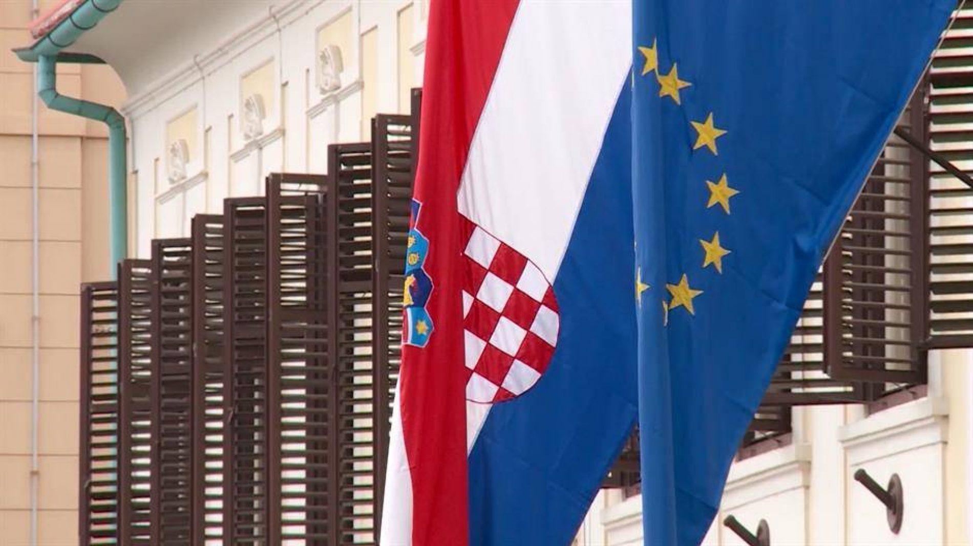 NEMA POTREBE Ne pomaži nam državo Hrvatska, tako vam Tuđmana i UZP-a!