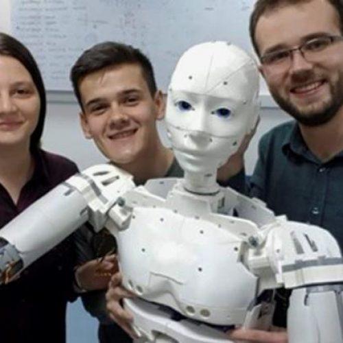 Studenti sarajevskog ETF-a napravili prvog bosanskog  humanoidnog robota