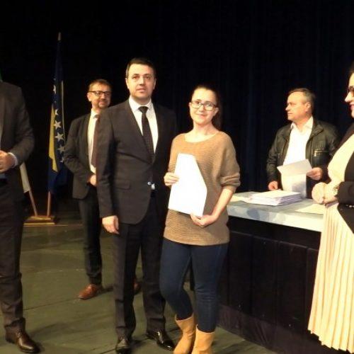 Vlada ZDK – Za boračke stipendije studentima iz Zenice oko 600.000 KM
