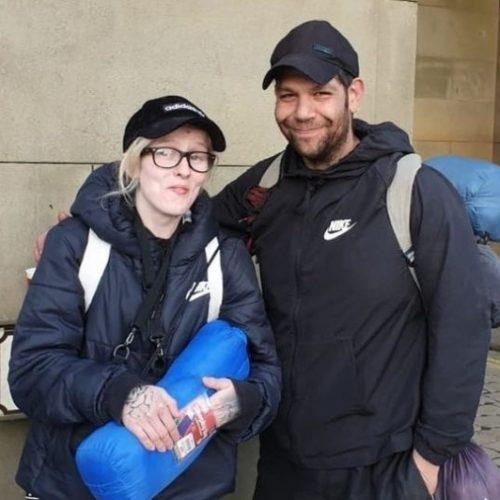 V. BRITANIJA: Par prisiljen živjeti u šumi nakon gubitka posla