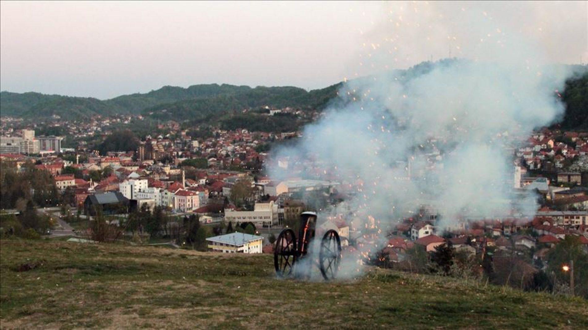 Top s Kicelja označio početak ramazana u Tuzli