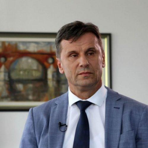 Novalić čestitao gradačačkim inžinjerima koji su konstruisali respirator