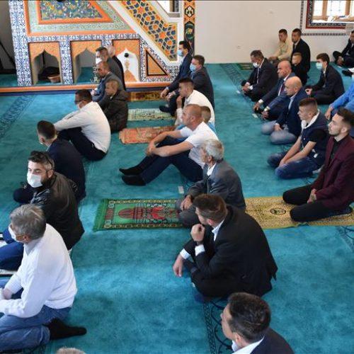 Prvi put nakon rata bajram-namaz u tri džamije u Foči
