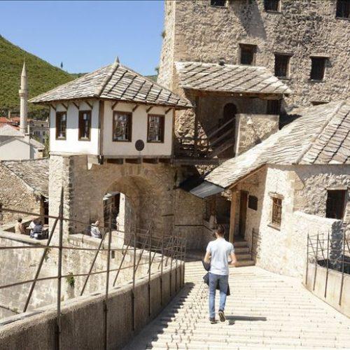 Mostar: Frizerski i kozmetički saloni ponovo rade, otvorene i radnje u Starom gradu