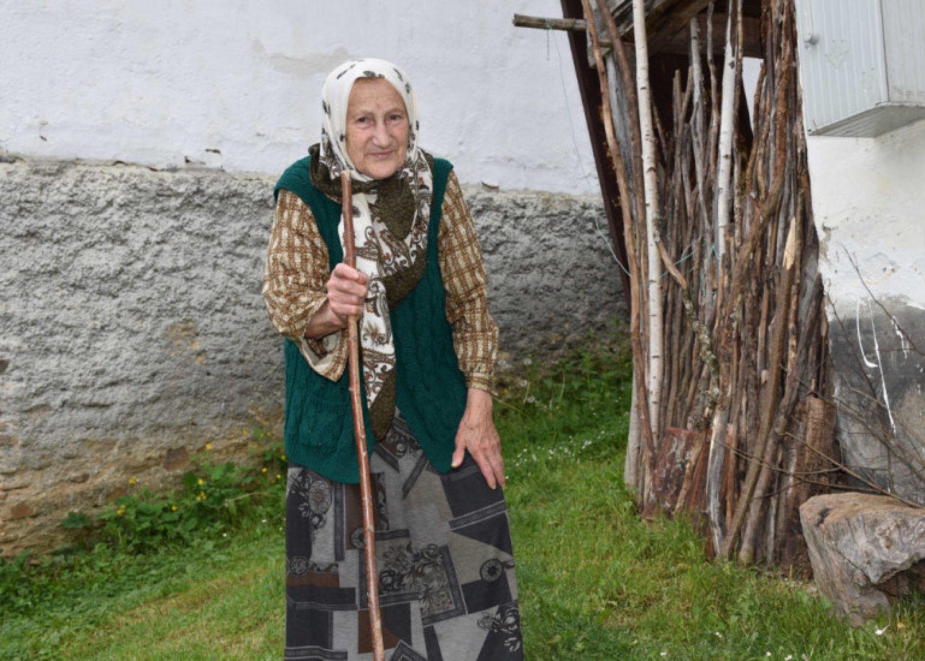 Selo sa dvije stanovnice: Nana Fatima peče halvu i čeka Bajram kao da je pun komšiluk