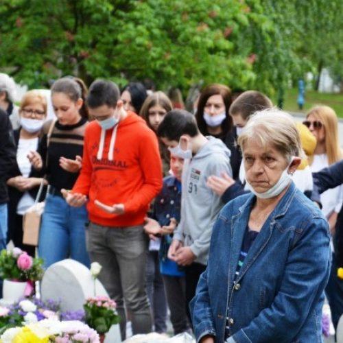 Odata počast žrtva masakra na Kapiji; Srbija i dalje sigurno utočište za zločince
