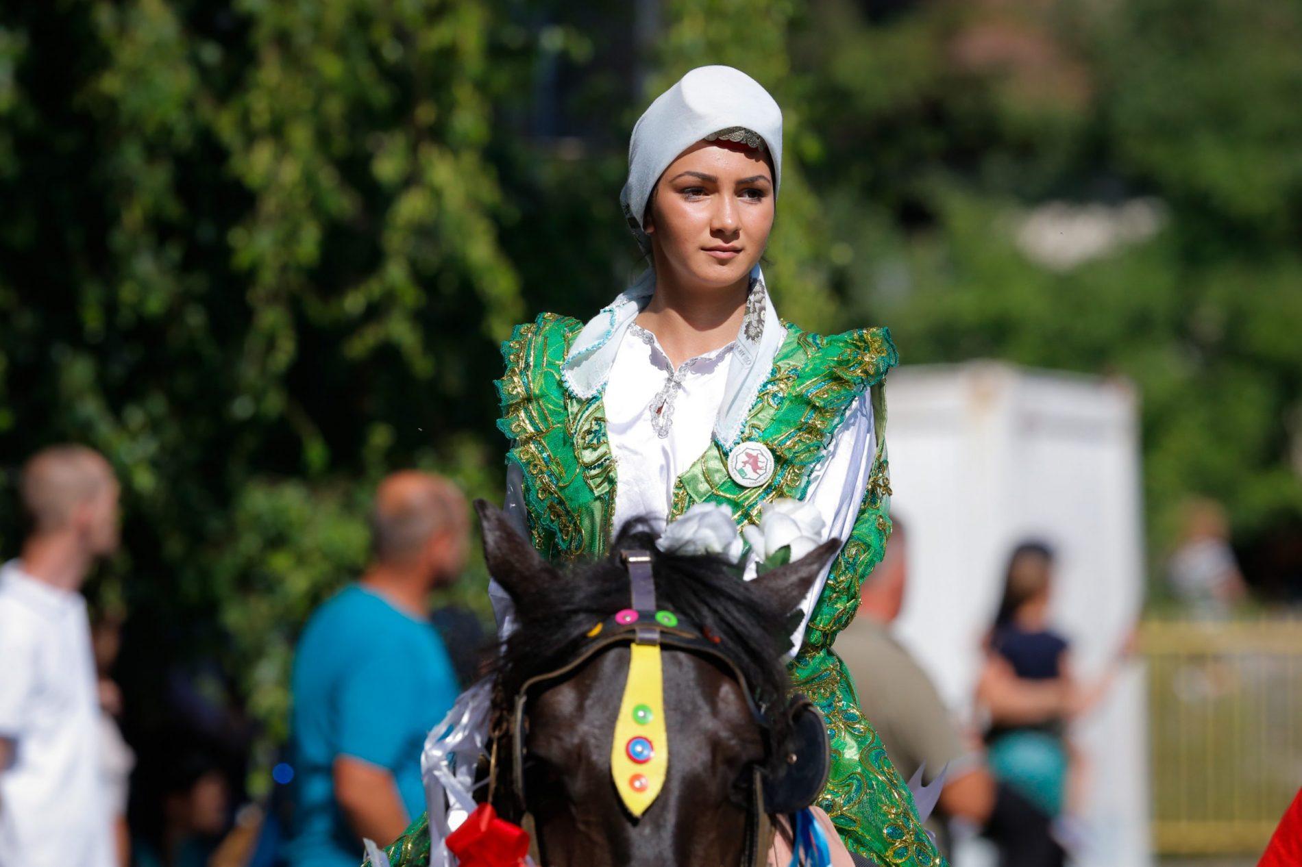 "510. ""Dani Ajvatovice"" – Defile konjanika kroz D. Vakuf (Foto)"