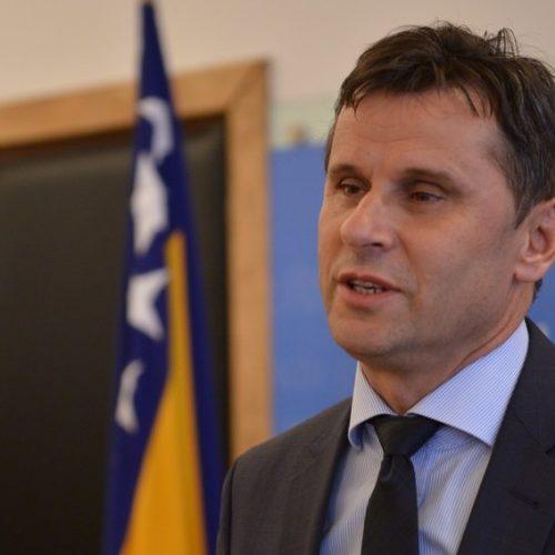 Premijer Novalić umirio građane: Ubuduće neće biti restriktivnih mjera