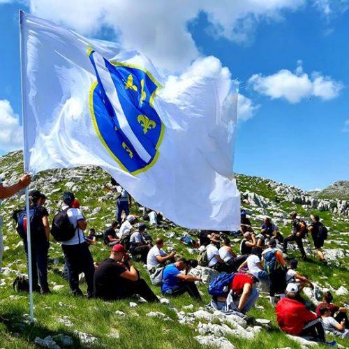 Bošnjaci Nevesinja pješačenjem preko planine Velež odali počast ubijenim sugrađanima tokom agresije