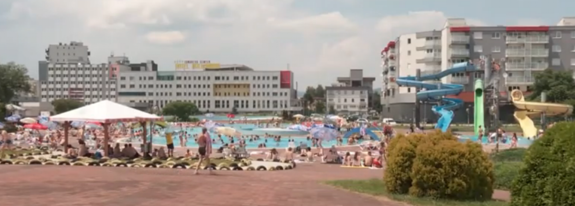 Visoke temperature izmamile su brojne građane da se rashlade na nekom od sarajevskih bazena