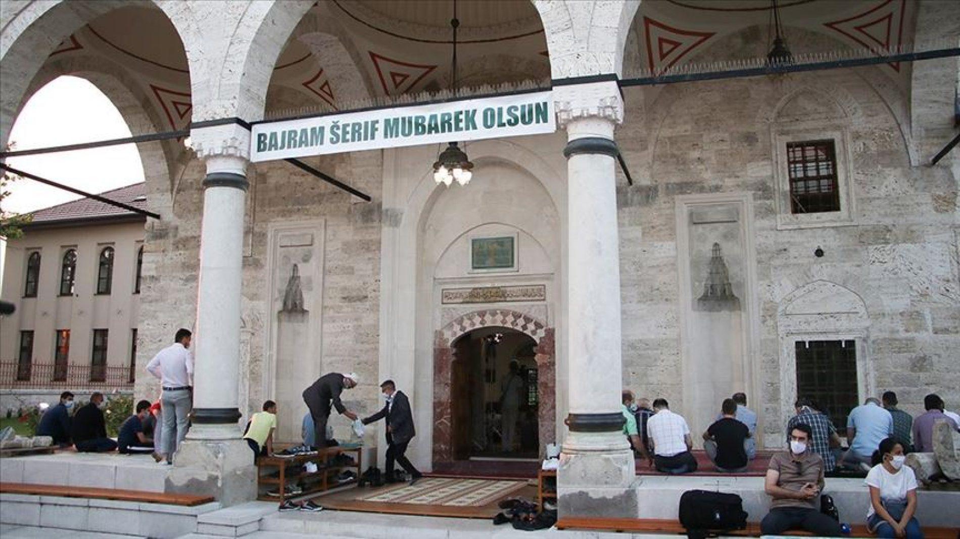 Bajram-namaz u Ferhadiji u Banjaluci