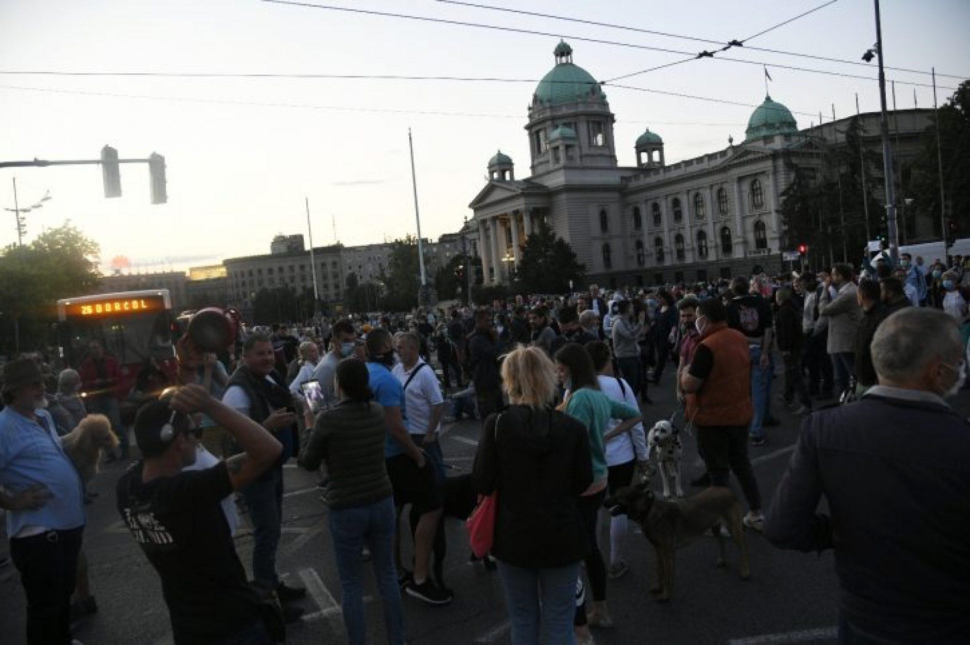 "Burno u Beogradu: ""Uhapsite Vučića"" (Video)"