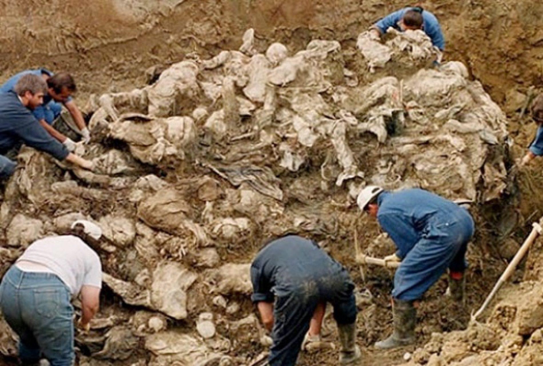 Budućnost Srbije zakopana je u masovnim grobnicama
