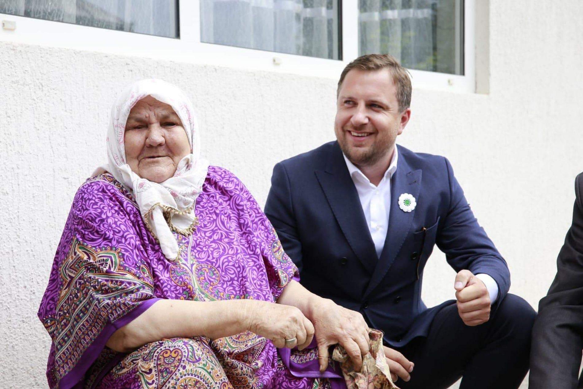 Gradonačelnik Sarajeva posjetio bosansku heroinu, nanu Fatu Orlović