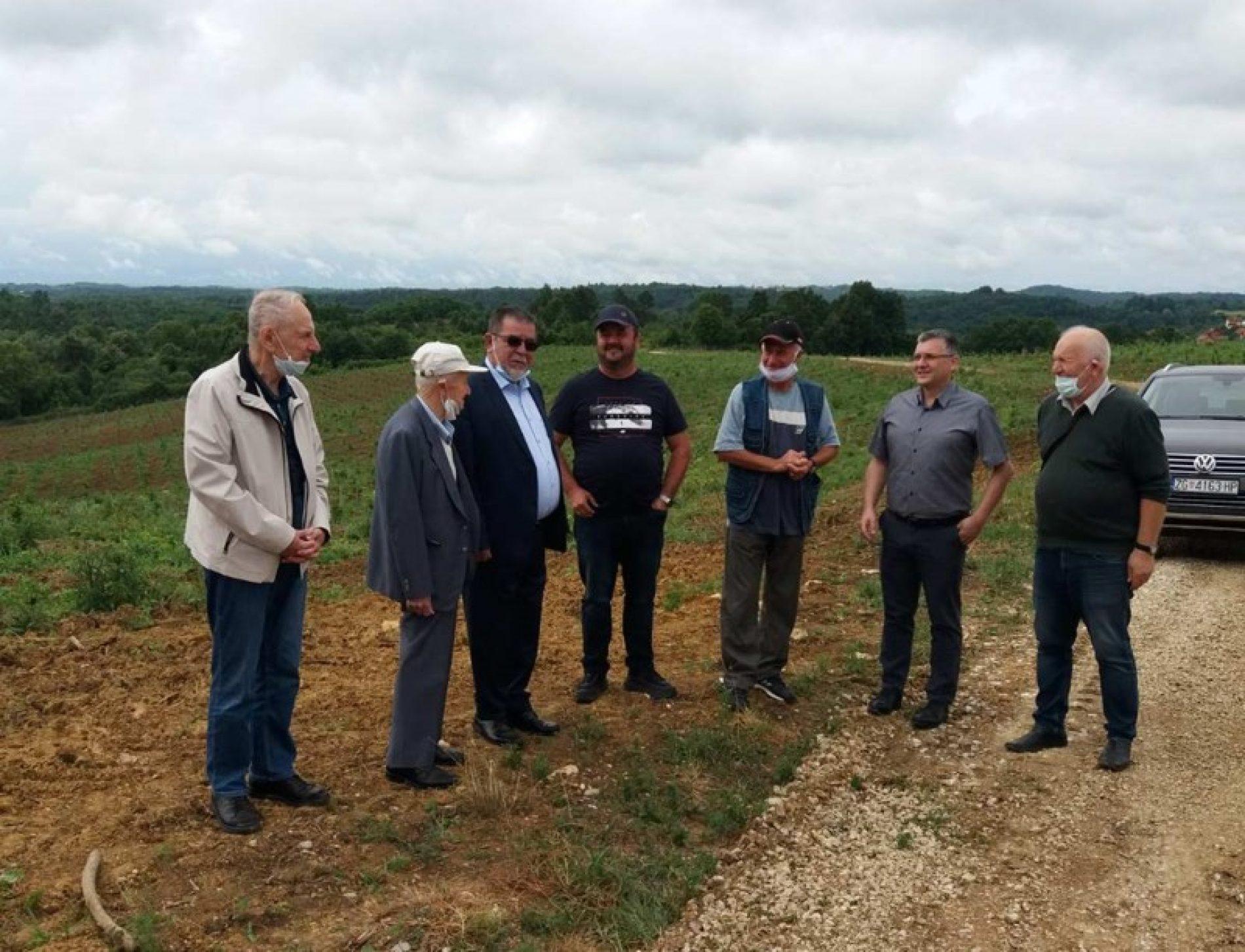 Iako živi u SAD-u, Sead  Dizdarević investira u rodni kraj i ne prepušta zemlju korovu