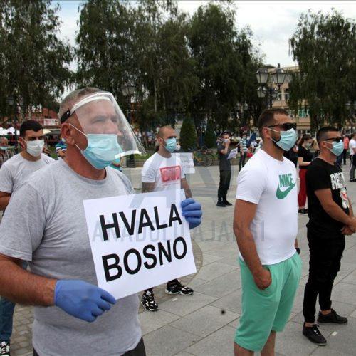 Sa protesta u N. Pazaru: Da se otklone prepreke za dolazak ljekarskih ekipa iz Bosne, Turske, Njemačke