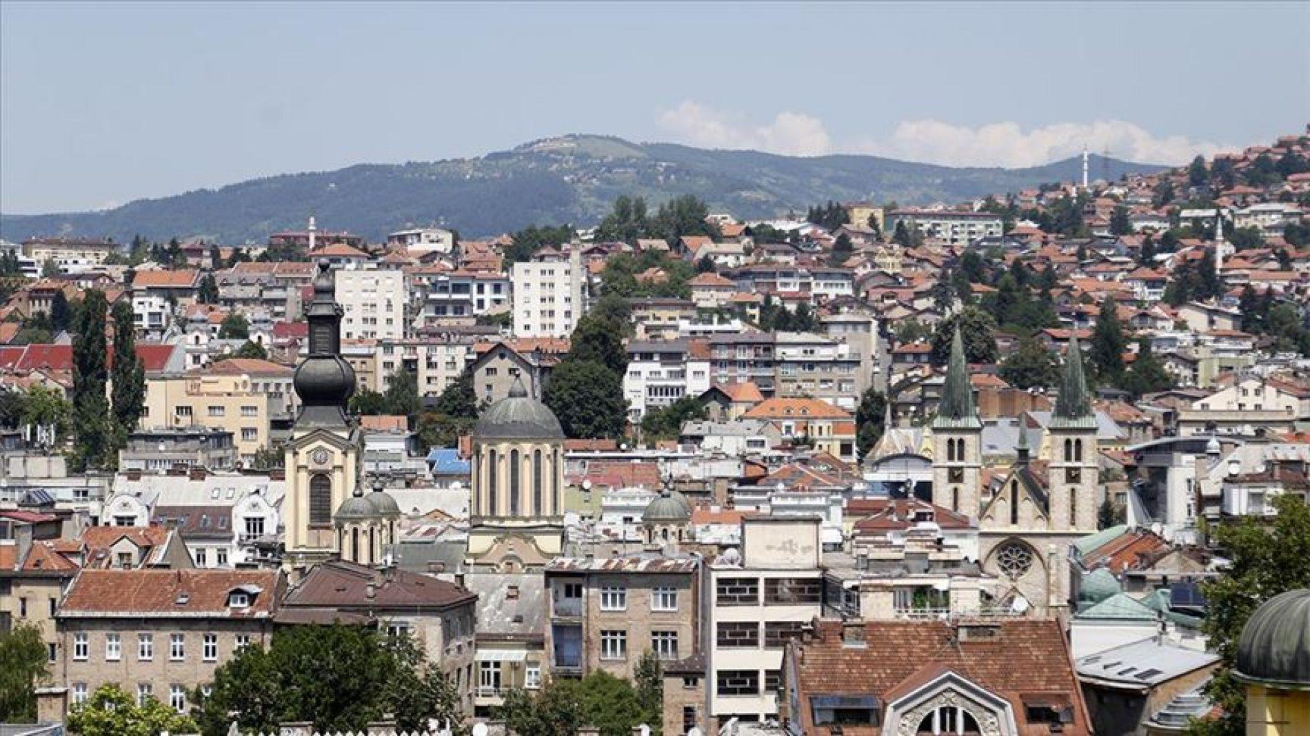 Sirenama u bosanskim gradovima odata počast žrtvama genocida u Srebrenici
