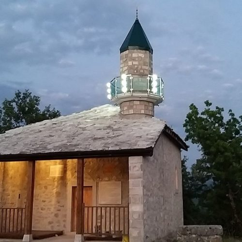 Džamija u Lastvi kod Trebinja: tri puta rušena i obnavljana, ovih dana dobila je i munaru