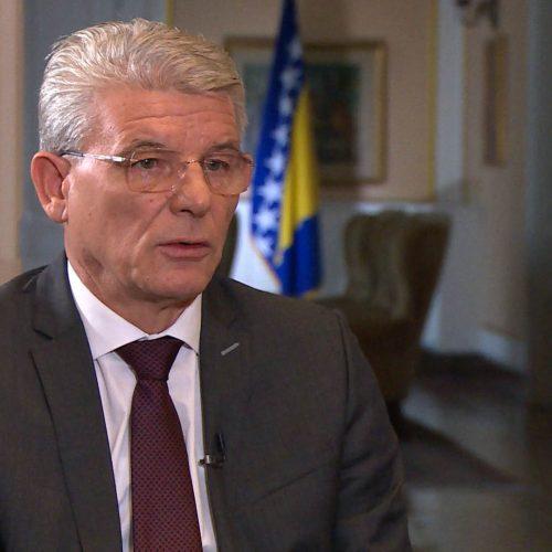 Džaferović: Pozivam Milanovića da odustane od uručivanja odlikovanja optuženom za ratne zločine