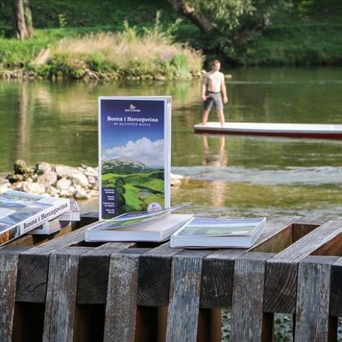 """""""Bosna i Hercegovina – 80 najljepših mjesta"""" vodič za putovanje domaćih i stranih turista"""