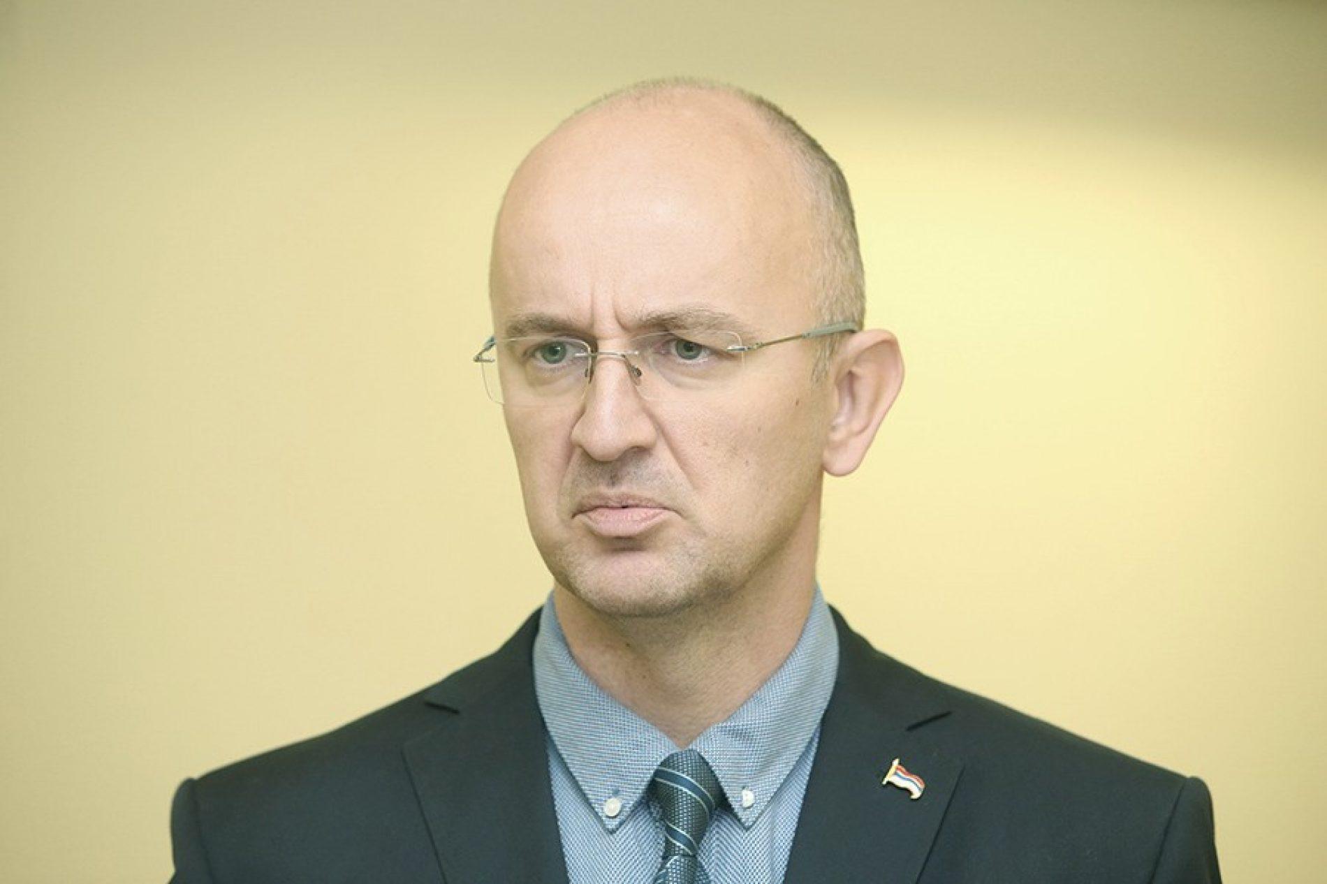SNSD-ov poslanik u mitomanskom zanosu: Trebinje je Srbija.. sve je ovo Srbija
