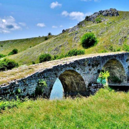 Stari most u Nevesinju,  svjedok bogate prošlosti