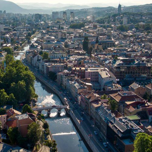 Kanton Sarajevo bilježi stalan rast broja stanovnika; koji kantoni i gradovi imaju više mladih nego starih?