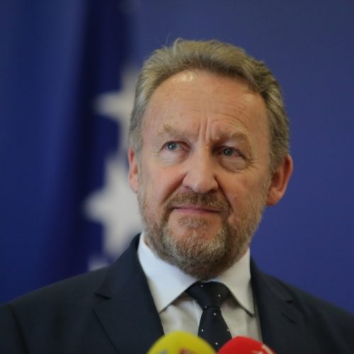 'Samo Bošnjaci imaju jaku građansku opciju koja se ostrašćeno bori protiv bošnjačke nacionalne stranke'