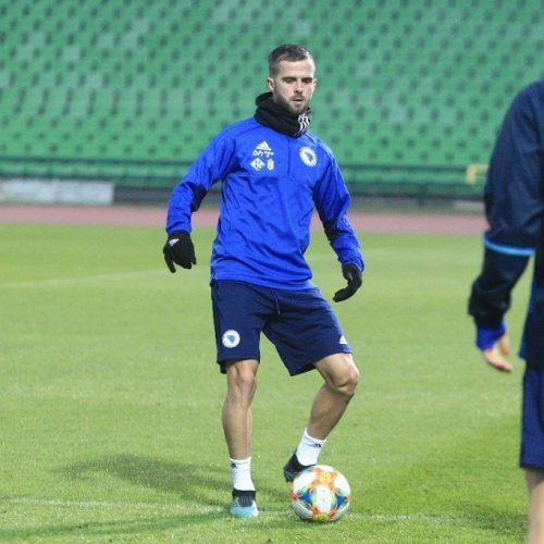 """Reprezentacija na  Olimpijskom stadionu """"Asim Ferhatović Hase"""" u Sarajevu nakon sedam godina"""
