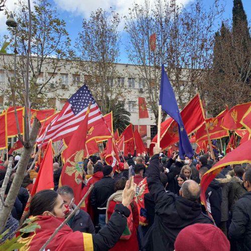 Crnogorci se uspravljaju: U historiji svake generacije postoji dan odluke
