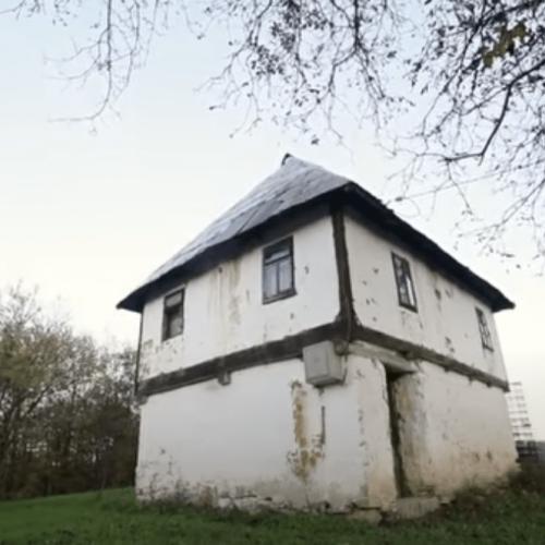Kad čeljad nije bijesna, kuća nije tijesna: Priča o Bošnjaku koji je imao 4 žene i 54-ero djece (Video)