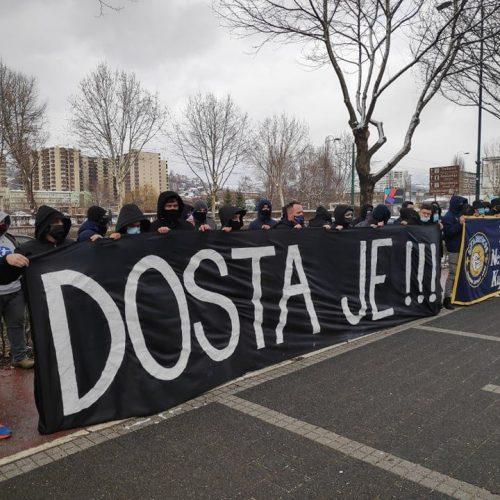 Navijači bosanske fudbalske reprezentacije ispred sjedišta Saveza: Dosta je!