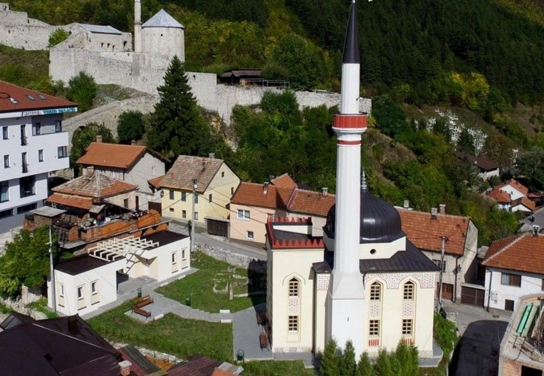 Varoška džamija u Travniku  nacionalni spomenik Bosne i Hercegovine