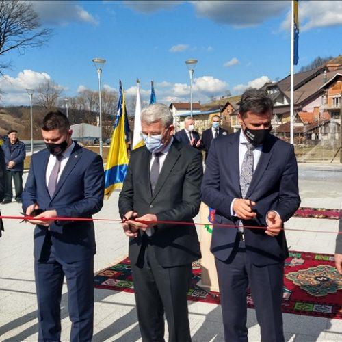 Džaferović u Bužimu: Želim da iz Unsko-sanskog kantona ubuduće dolaze samo vijesti o napretku