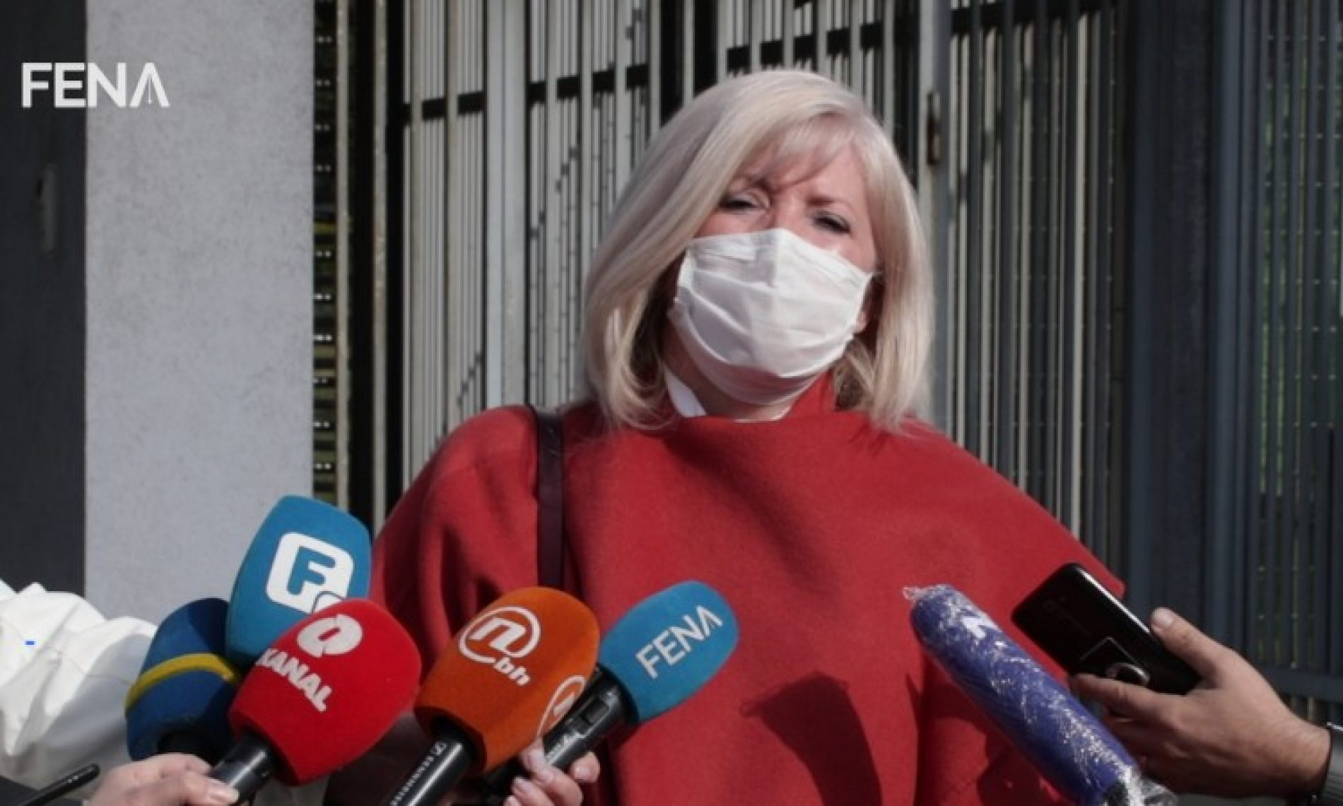 Tužilaštvo: Dobavljač odabran na osnovu SMS poruke. Odbrana – Vlada Njemačke respiratore naručila SMS porukom