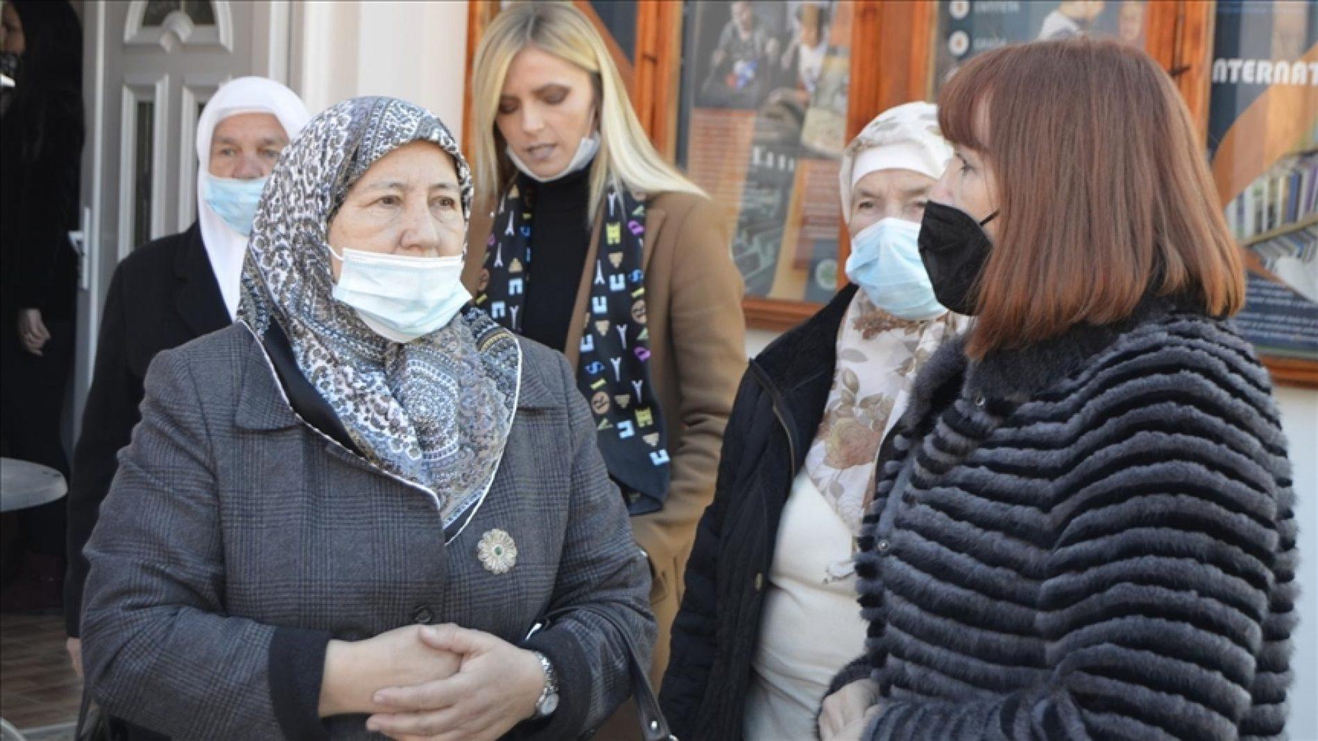 Povodom 8. marta: Potpredsjednica FBiH Melika Mahmutbegović posjetila majke Srebrenice