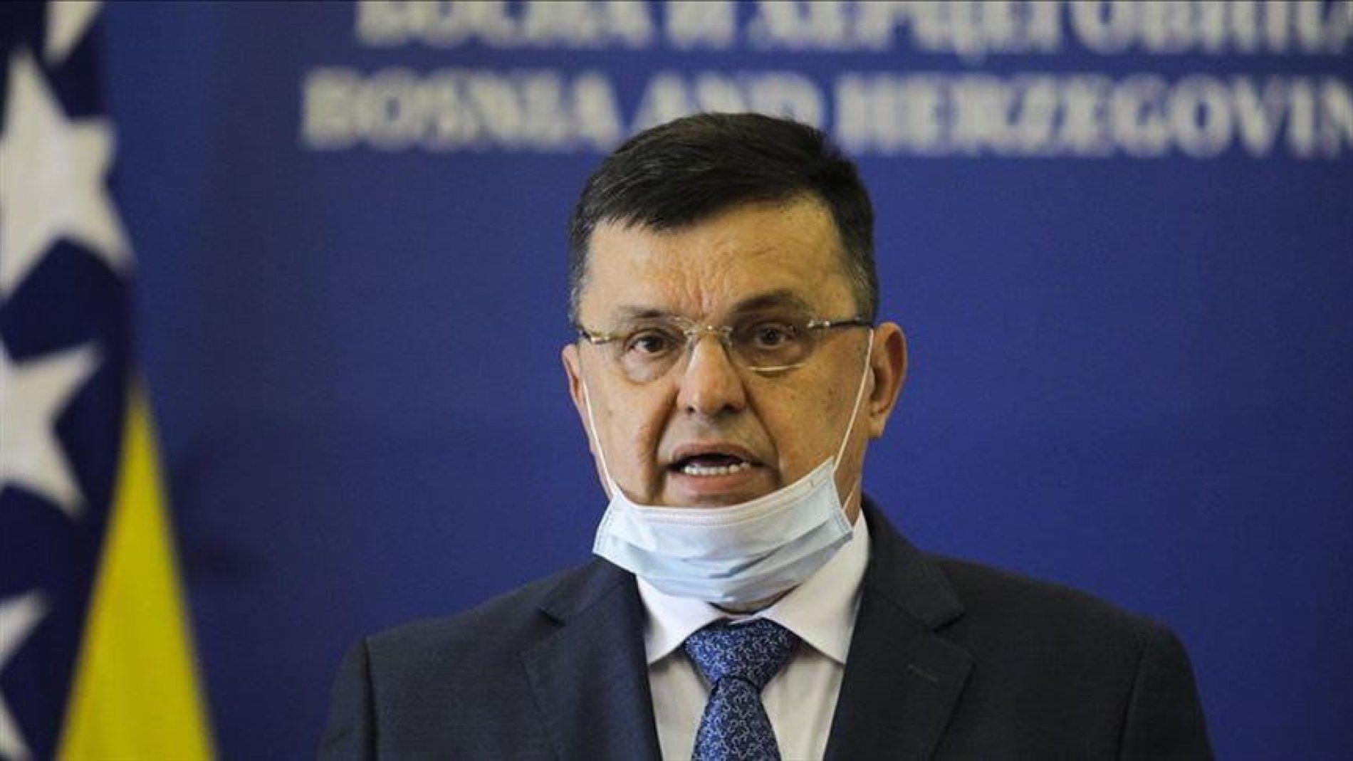 I vlast i opozicija pozivaju Tegeltiju da se probudi ili odstupi