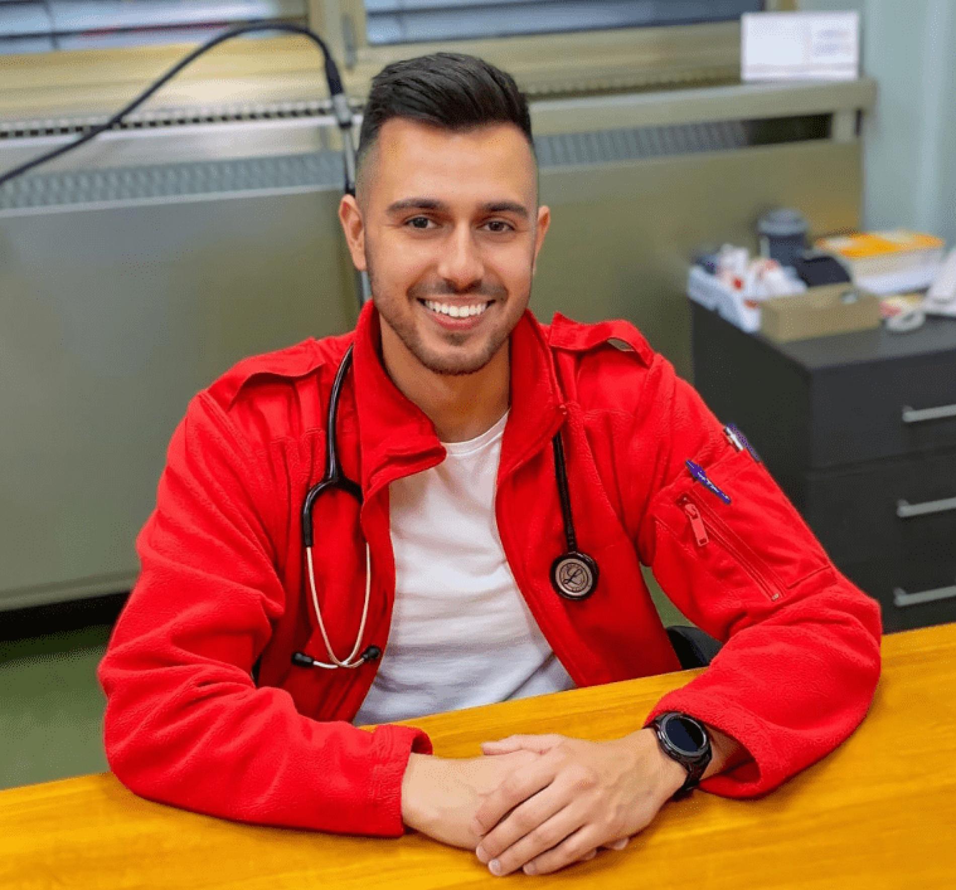 Nedim Selimović, uspješni student i mladi ljekar iz Tuzle: Imam želju da pomažem i liječim naš narod