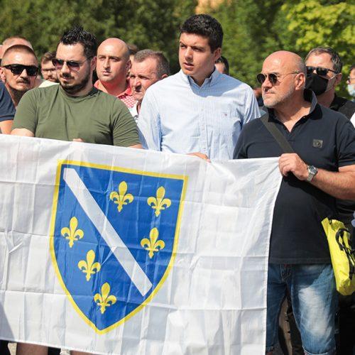 Izdaja se ne oprašta: U Sarajevu protest zbog hapšenja direktora OSA-e