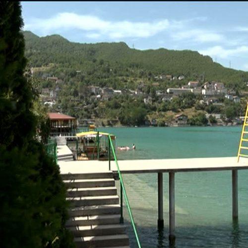 Jablaničko jezero, popularno među domaćim, ali i stranim turistima