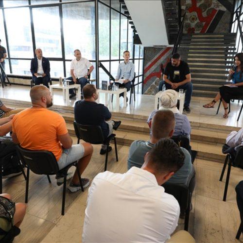 """Promovisana knjiga """"Od Srebrenice do svjetla na kraju tunela"""", autora Azira Osmanovića"""