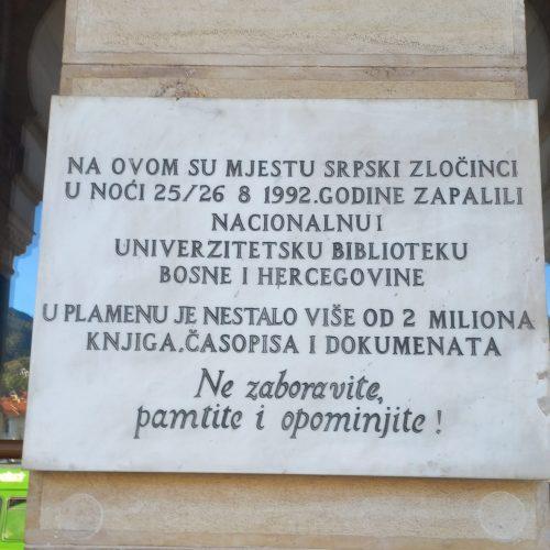 Kulturocid! U paljenju sarajevske Vijećnice NUB BiH i naša država ostala bez 2 miliona bibliotečkih jedinica
