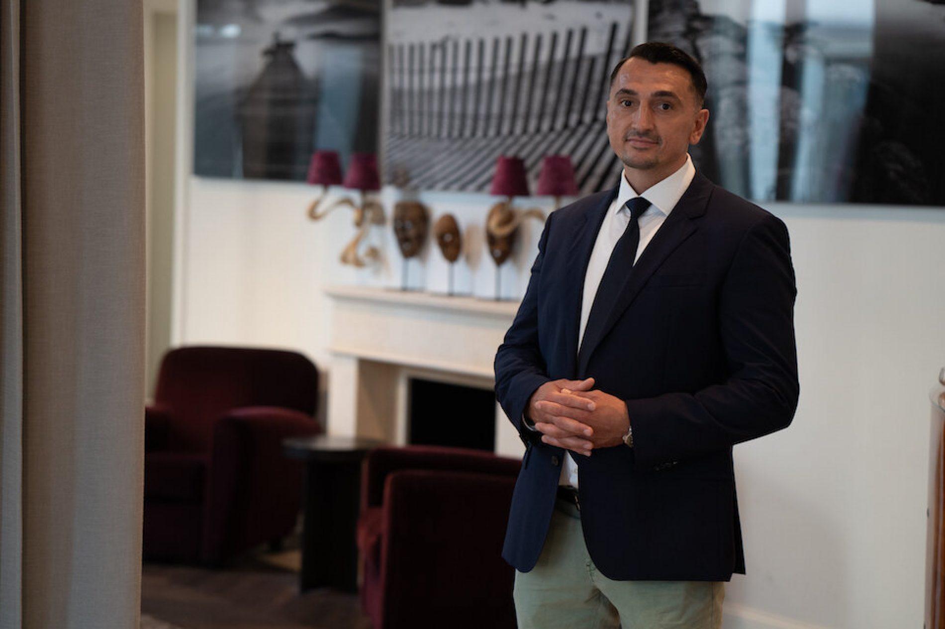 Emir Begović sa svojom šestočlanom porodicom doselio u rodno Goražde, namjerava investirati u sport i rekreaciju
