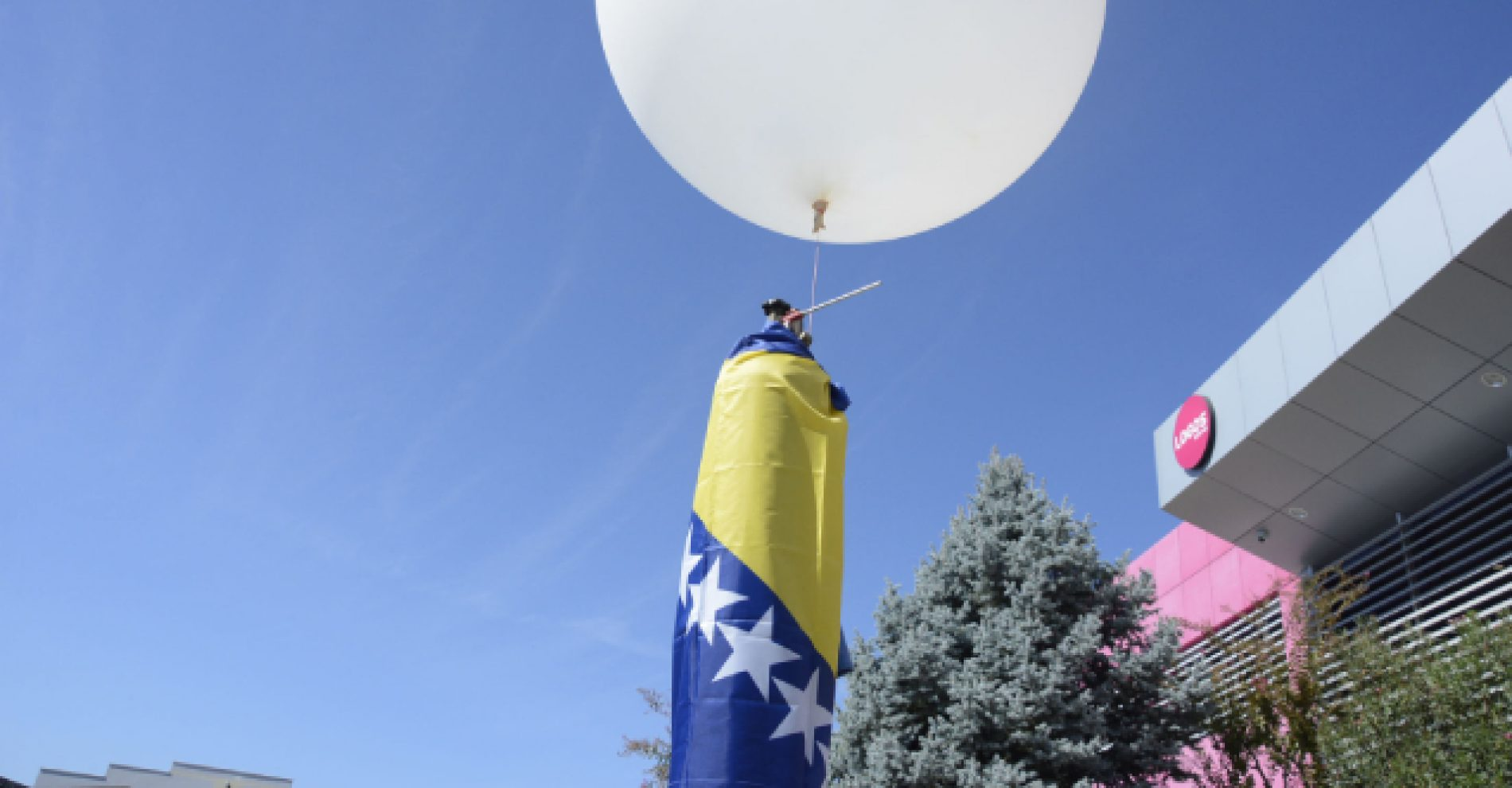 Mladi bosanskohercegovački robotičari lansirali satelit u atmosferu
