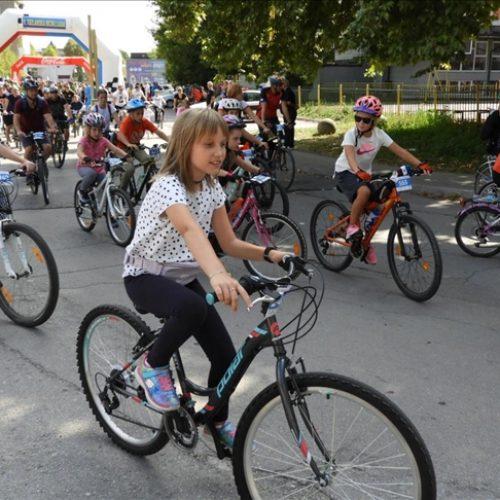 Nekoliko hiljada biciklista na Devetoj tuzlanskoj biciklijadi