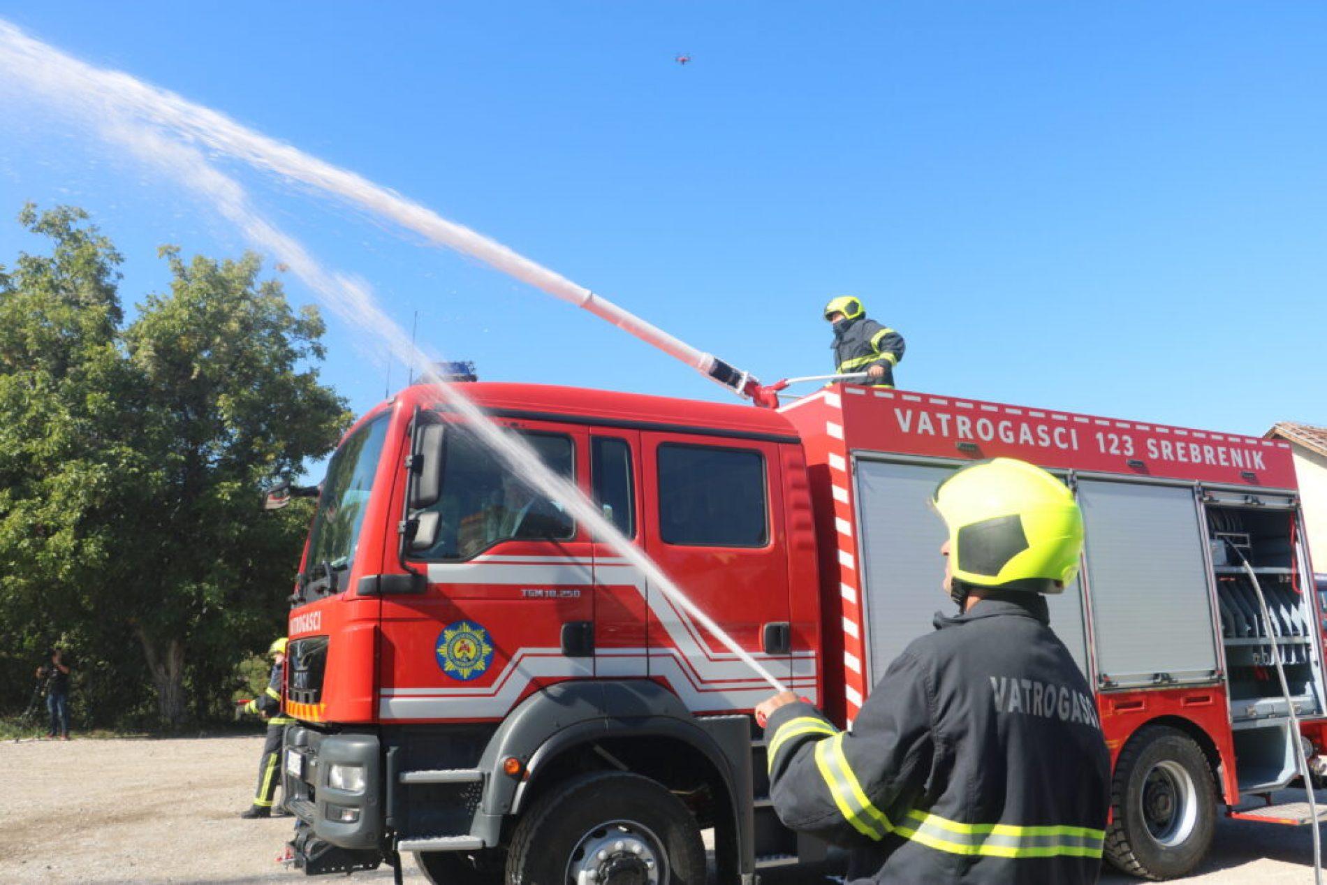 Srebrenik: Vatrogasci dobili novo vatrogasno vozilo – bosanske proizvodnje