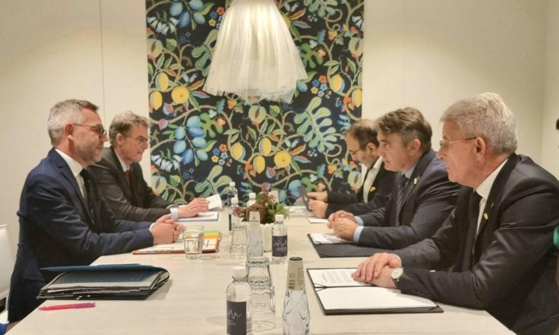 Komšić i Džaferović s njemačkim ministrom: Ukoliko izostane reakcija međunarodne zajednice, državne snage će reagovati i to pod svaku cijenu